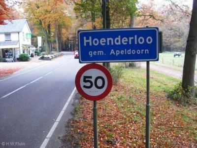 Hoenderloo is een dorp in de provincie Gelderland, in de streek Veluwe, in grotendeels gemeente Apeldoorn, deels gemeente Ede.