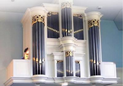 Dit is hem dan, het fraaie en kwalitatief hoogwaardige Kaat & Tijhuis-orgel uit 1982, dat in december 2019 in gebruik is genomen in de Hervormde kerk van Hoge Hexel.