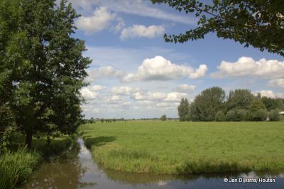 Hoogeind, vanaf de gelijknamige weg kijken we de polders van de streek Vijfheerenlanden in