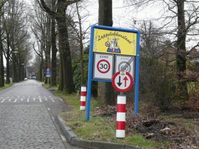 Tijdens carnaval heet Hoogeloon Lappelekkursland. Waar die naam vandaan komt, kun je lezen in het hoofdstuk Jaarlijkse evenementen.