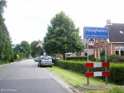 Hooghalen is een dorp in de provincie Drenthe, gemeente Midden-Drenthe. T/m 1997 gemeente Beilen.