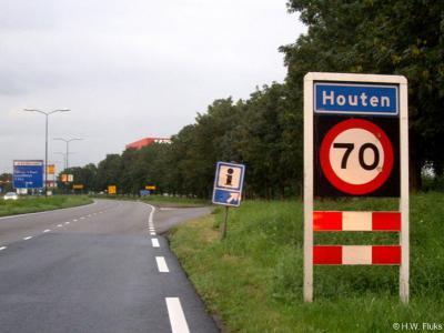 Houten is een dorp en gemeente in de provincie Utrecht, in de regio Kromme Rijnstreek.