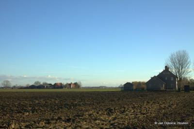 De omgeving van Hucht, naar het ZO gezien. Het is hier allemaal landbouw wat de klok slaat.