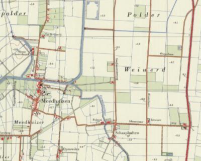 Hier zie je de drie boerderijen die rond 1970 in het Z van Polder Weiwerd O van buurtschap Schaapbulten zijn gebouwd, en die men als de huidige buurtschap Ideweer beschouwt. Het betreft Ideweersterweg 1, 2 en 4 (= boerderij Ideweer). (© Kadaster)