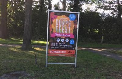 Oranjevereniging Idskenhuizen organiseert natuurlijk de festiviteiten tijdens Koningsdag, en ook het jaarlijkse Dorpsfeest (weekend in juni).