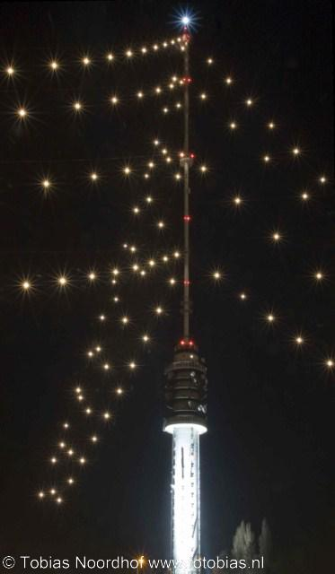 IJsselstein, de beroemde Gerbrandytoren is tijdens de kerstperiode nóg beroemder als grootste kerstboom ter wereld. In het donker kun je hem dan al van héél ver zien.