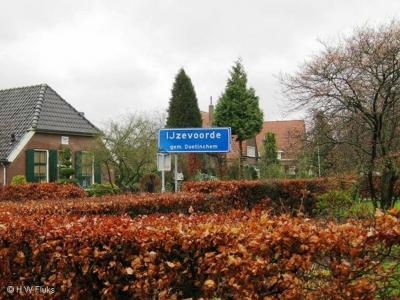 IJzevoorde is een buurtschap in de provincie Gelderland, in de streek Achterhoek, in deels gemeente Doetinchem, deels gemeente Bronckhorst. De buurtschap valt deels onder de stad Doetinchem, deels onder het dorp Zelhem.