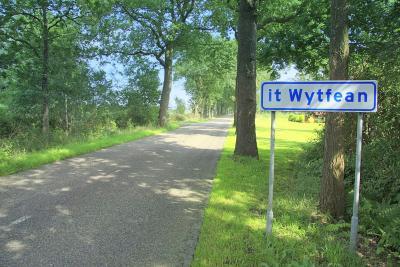 It Wytfean is een buurtschap in de provincie Fryslân, gemeente Tytsjerksteradiel.