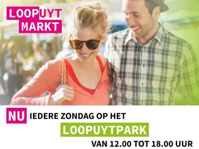 In de zomer is er in Julianadorp iedere zondag vanaf 12 uur de Loopuytmarkt, met altijd wel een bijzonder extra element, zoals livemuziek of een boekenmarkt. Het laatste nieuws vind je op hun Facebookpagina, zie ons hoofdstuk Natuur en recreatie.