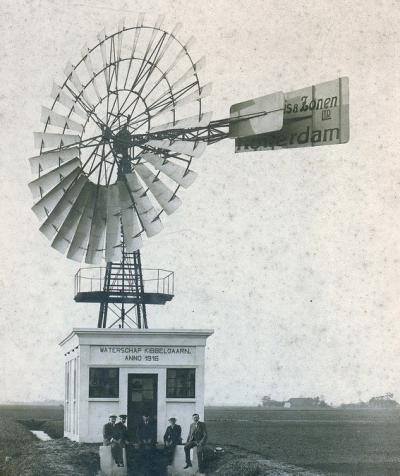 Van 1861 tot 1961 was er sprake van een Waterschap Kibbelgaarn, sinds 1916 bemalen door deze Herkules windmotor, geleverd door de firma Stokvis te Rotterdam. De molen is na 1960 afgebroken. Het was een van de 31 windmotoren in de provincie Groningen.