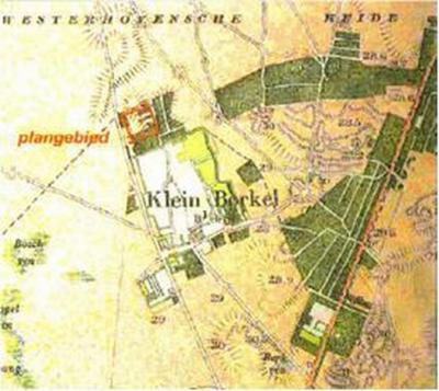 Op deze topografische kaart uit ca. 1900 is de geheel eigen ruimtelijke karakteristiek van de buurtschap Klein Borkel tussen enerzijds het akkerlandcomplex en anderzijds de omringende heidevelden nog goed herkenbaar.