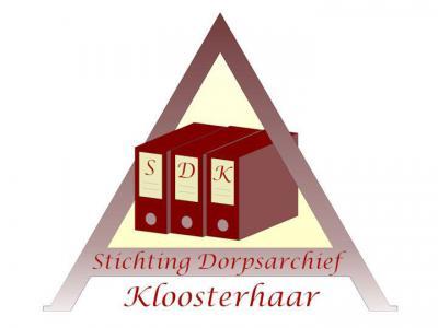Amateurhistoricus Freddie Ekkel werkt al sinds 1977 aan een archief van het dorp Kloosterhaar. Het is inmiddels een immens Dorpsarchief geworden met veel unieke documenten en foto's en wordt nog altijd dagelijks bijgewerkt.