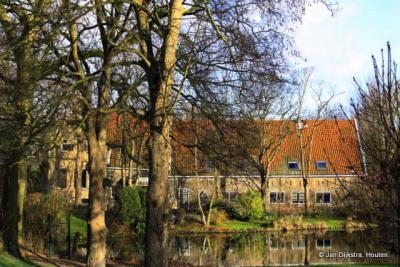 Krimpen aan den IJssel, zeer monumentale boerderij onder aan de IJsseldijk