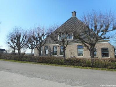 Buurtschap Laad en Zaad, boerderij in het Bolswarder deel (Zaad). Voor de verwarrende naamgevingen en spellingen in deze buurtschap zie de hoofdstukken Status en Naam.