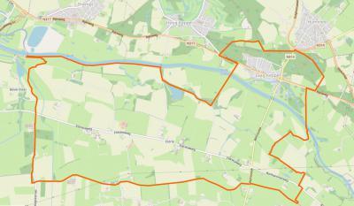 Het gebied binnen de oranje lijn is het dorpsgebied van Laag-Keppel. De compacte dorpskern ligt N van de Oude IJssel. Het grote buitengebied met daarin de buurtschap Eldrik ligt Z daarvan. (© www.openstreetmap.org)