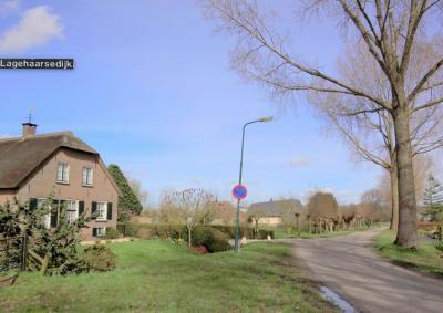 Buurtschap Lage Haar ligt aan de Lagehaarsedijk, valt onder het dorp Haarzuilens, en ligt sinds de gemeentelijke herindeling van 2001 in de provincie Utrecht (© Jan Dijkstra, Houten)