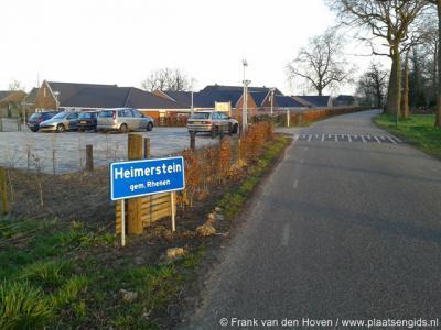 Laareind, het blauwe bord Heimerstein suggereert een plaatsnaam, maar betreft de instelling voor geestelijk gehandicapten ter plekke