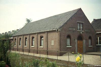 De buurtschap Lageweg werd een dorp door de bouw van de Hervormde Oosterkerk in 1924 (foto). Deze kerk is in 1991 gesloopt en vervangen door de huidige kerk.