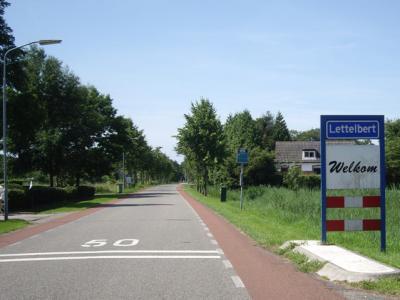 Lettelbert is een dorp in de provincie Groningen, in de streek en gemeente Westerkwartier. T/m 2018 gemeente Leek. (© H.W. Fluks)