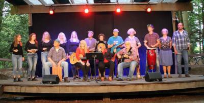 De Revue van Lettele brengt jaarlijks een avondvullend programma op het toneel met sketches, liedjes, gedichten, dans, korte toneelstukjes, het serieuze lied en 'plaatselijke roddel'. De uitvoeringen garanderen een avondje lachen.