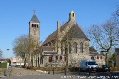 Limbricht, Nieuwe Sint Salviuskerk