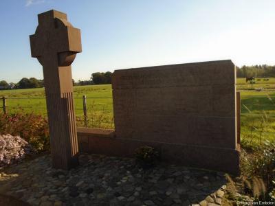 Luttenberg, Blikweg, monument inslag V2