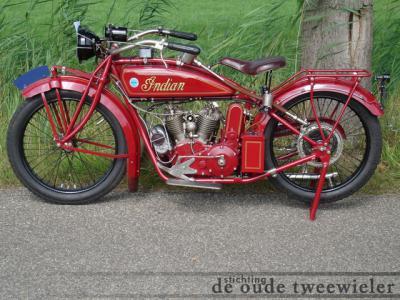 Maartensdijk, Museum De Oude Tweewieler is gespecialiseerd in diverse soorten oude tweewielers, zoals fietsen, bromfietsen en motorfietsen.