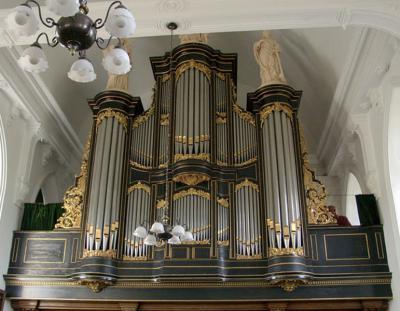 Niet alleen de kerk van Mantgum is monumentaal, ook het Van Dam-orgel uit 1879 is een juweeltje (© Wim Verburg)