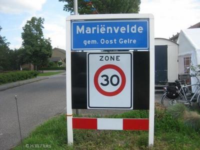 Mariënvelde is een dorp in de provincie Gelderland, in de streek Achterhoek, gemeente Oost Gelre. T/m 2004 gemeente Ruurlo. Tot 1932 was het een buurtschap, met als plaatsnaam Achter-Zieuwent.