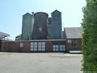 De Molen van Sellink in Meddo is gebouwd in 1873. In 1933 is wegens brand het wiekenkruis verwijderd, en even later ook de kap, zodat sindsdien alleen de molenromp nog over is.