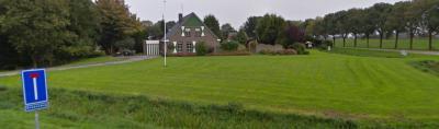In de buurtschap Meerland is het grootste deel van het N deel van de Groeveweg afgegraven t.b.v. de aanleg van het Oldambtmeer, waardoor de weg nu aan beide zijden doodloopt. Dit is de ingang aan de Z zijde.