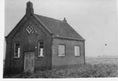 De buurtschap Meerland heeft ooit een piepklein Hervormd kerkje gehad. Details over de 'opkomst en ondergang' van kerkelijke gemeente en pand zijn ons vooralsnog niet bekend.