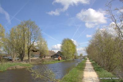 Buurtschap Mijzijde, het laatse stuk van de Houtkade naar de Grecht is een mooi landelijk wandelpad