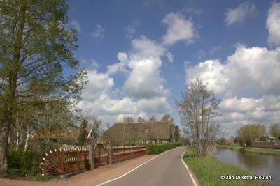 Water, wolken en wind in het uitgestrekte landschap van buurtschap Mijzijde