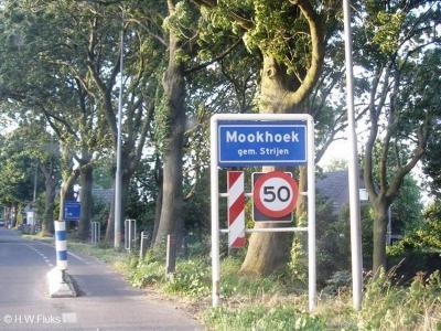 Mookhoek is een dorp in de provincie Zuid-Holland, in de streek en gemeente Hoeksche Waard. T/m 2018 gemeente Strijen.