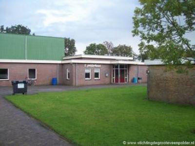 Dorpshuis 't Polderhuus met de naastgelegen Sporthal De Schakel te Munnekeburen zijn er niet alleen voor dit dorp, maar voor de hele Westhoek van de gemeente Weststellingwerf.
