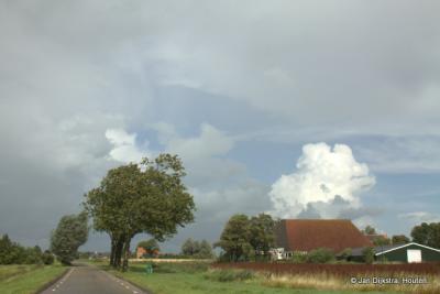 Onderweg van het dorp Wergea naar buurtschap Domwier kom je eerst nog door de buurtschap Narderbuorren