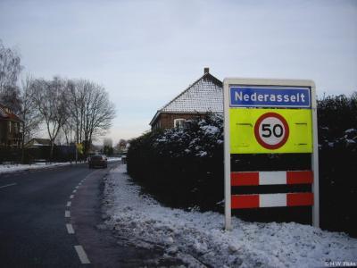 Nederasselt is een dorp in de provincie Gelderland, in de streek Rijk van Nijmegen, gemeente Heumen. T/m 30-6-1980 gemeente Overasselt.