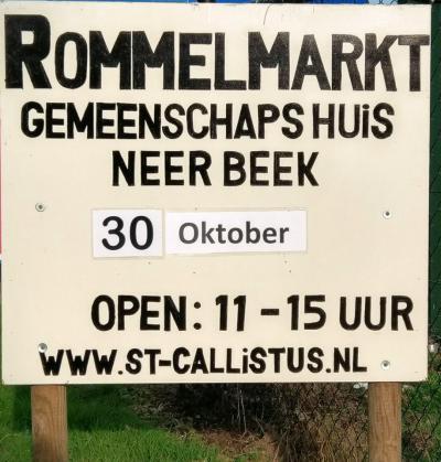 Op een zondag eind oktober is er de jaarlijkse Rommelmarkt van Muziekkorps Sint Callistus in het Gemeenschapshuis. De opbrengst is voor het 'goede doel', voor de instrumenten en uniformen van het korps.