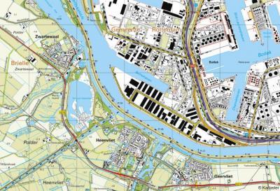 Zelfde kaart, vandaag de dag: Blankenburg en Nieuwesluis zijn onder een 5 meter dikke laag opgespoten zand verdwenen. Tussen de havens en industrie van de Botlek is er niets meer van terug te vinden. Zelfs een informatiepaneel ter plekke kon er niet af.