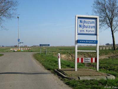 Nijhuizum is een dorp in de provincie Fryslân, gemeente Súdwest-Fryslân. T/m 1983 gemeente Wymbritseradiel. In 1984 over naar de gemeente Nijefurd, in 2011 over naar de gemeente Súdwest-Fryslân.