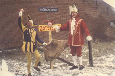 Buurtschap Notendaal (onder de dorpen De Heen en Nieuw-Vossemeer) heet tijdens carnaval Zottedijke. In 2016 hebben ze het 44-jarig bestaan van het carnaval in hun buurtschap gevierd (in de carnavalswereld rekenen ze voor jubilea in eenheden van 11 jaar).