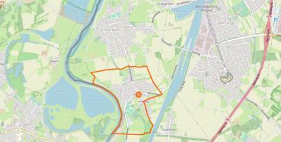 Obbicht ligt ZZO van Grevenbicht, Z van Papenhoven, ZZW van Schipperskerk, ZW van Born en Buchten, en grenst in het W aan de Maas en België, en in het O aan het Julianakanaal.