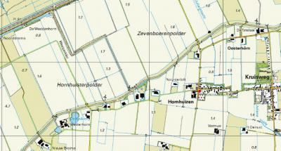 Het dorp Hornhuizen, met WZW ervan de nederzetting Westerhorn en ONO ervan de nederzetting Oosterhörn. Beide nederzetttinkjes omvatten slechts twee panden.