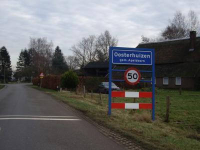 Oosterhuizen is een van de dorpen die in 1978 zijn 'vergeten' bij het toekennen van de postcodes. Het ligt daarom voor de post 'in' buurdorp Lieren, dat op zijn beurt in veel opzichten een tweelingdorp is met het wél bekende buurdorp Beekbergen.