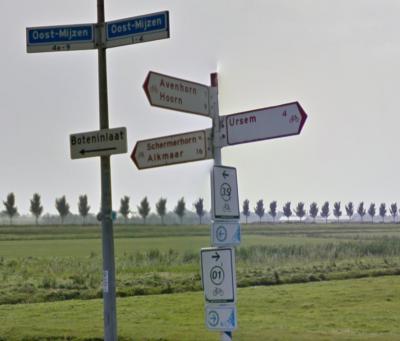 Daarom is het een beetje curieus dat de gemeente op enig moment ter plekke de straatnaam met de verouderde spelling Oost-Mijzen heeft vastgesteld. (© Google)