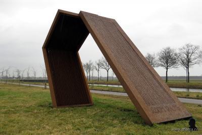 Oranjewoud, Museum Belvédère, beeld dat kunstenaar Ids Willemsma in 2014 heeft gemaakt als eerbetoon aan atlete Foekje Dillema. In 1950 liep deze Friese atlete de 200 meter in een recordtijd van 24,1 seconden. (© www.afanja.nl)