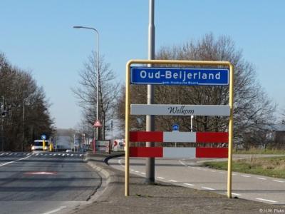 Oud-Beijerland is een dorp in de provincie Zuid-Holland, in de streek en gemeente Hoeksche Waard. Het was een zelfstandige gemeente t/m 2018.