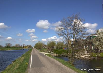 Buurtschap Oud-Kamerik is mooi gelegen langs de Van Teylingenweg en de Kamerikse Wetering