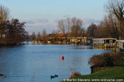 Minibuurtschap De Glashut (gelegen in de Loenense buurtschap Oud-Over), vanaf het water gezien